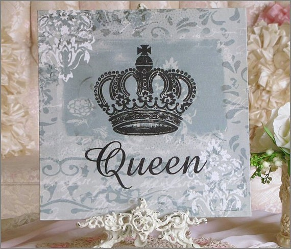Charming Vintage Style QUEEN  Canvas PRINT With Crown