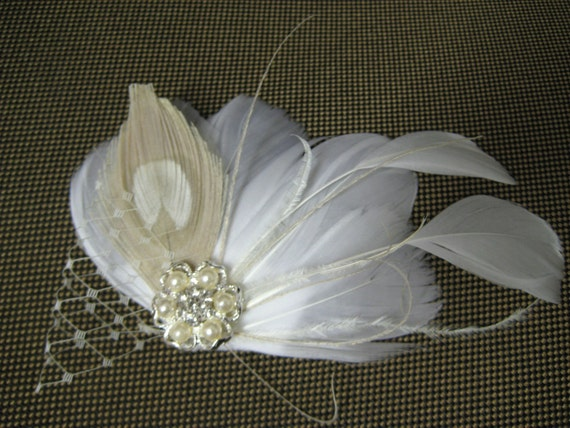 Wedding Bridal White Champagne Peacock Feather Pearl Rhinestone Jewel Ivory Veiling Head Piece Hair Clip Fascinator Accessory