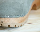 Wooden Platform Clogs - vintage 80s neutral grey Italy leather bohemian slip on stapled wood mules