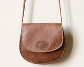 Rustic Leather Saddle Bag - vintage 80s cross body purse, light brown pecan tan color, tiny shrunken size & Coach purse vibe