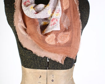 Vintage White and peach tulip scarf