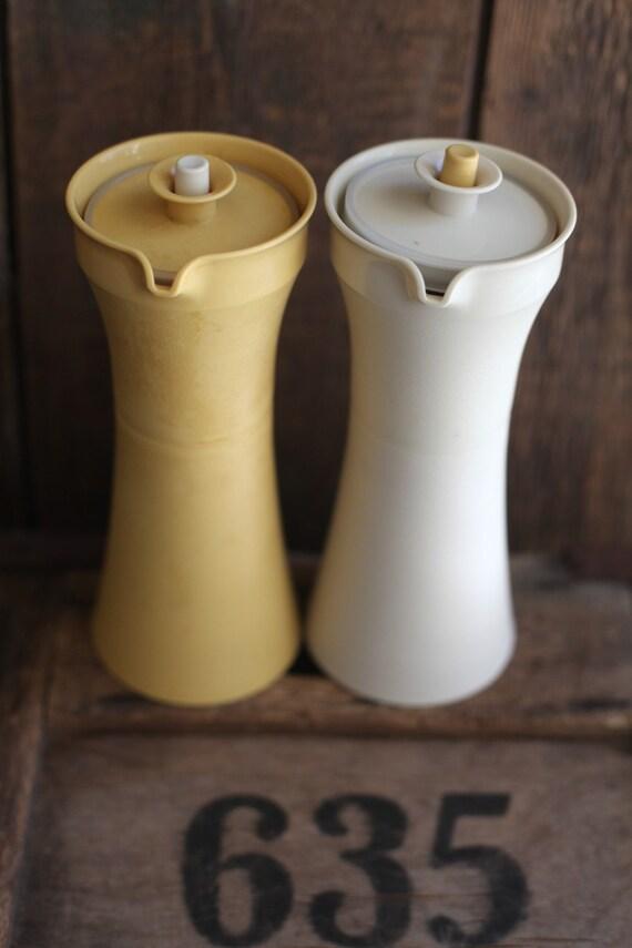 Tupperware oil and vinegar set