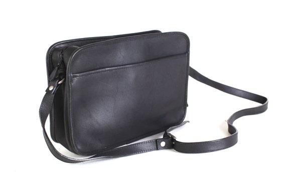 Black leather shoulder purse