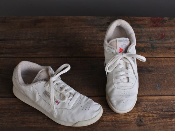 Size 7 Women's white leather Reebok tennis shoes, athletic shoes, 80's sneakers