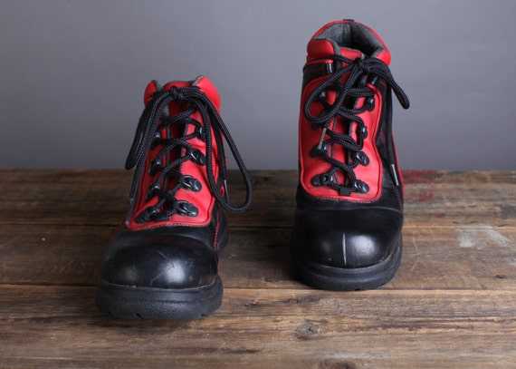 Size 10 Women's red and black Sporto Hiking boots, 90s