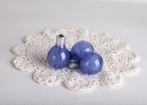 Blue dot 25B Sylvania flashbulb, Brownie camera flashbulb