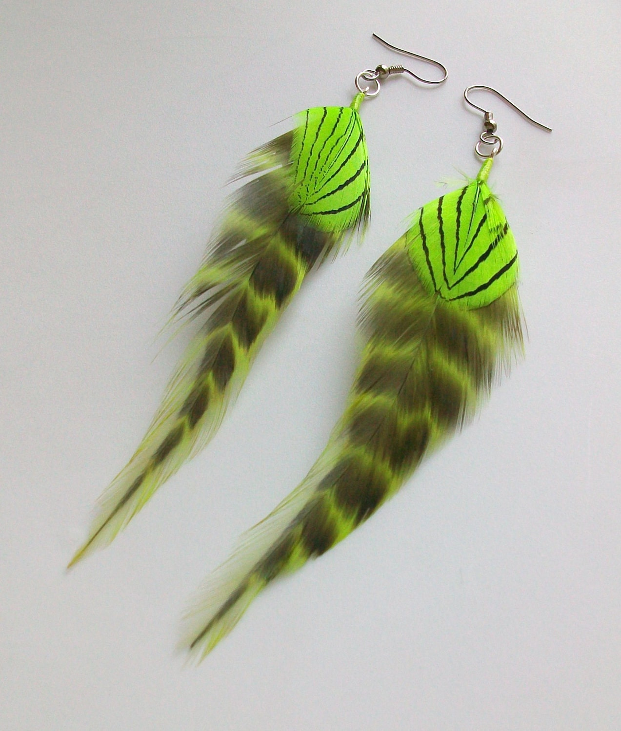 Chartreuse and black fly fishing feather by dakotasflyshop for Fly fishing feathers