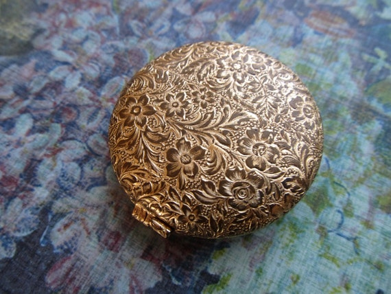 Vintage Gold Tone Compact