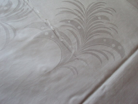 Vintage French White Damask Fabric Plumes Art Deco Unused Would make Gorgeous Pillows Curtains