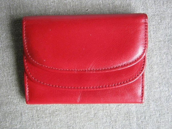 Garys of California Les Petites Bright Red Leather Wallet Excellent Condition 1970s