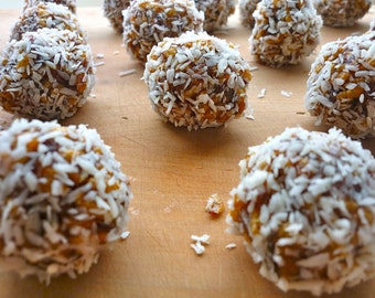 Almond & Soul Travel Treats - Date Almond Coconut Snowball Candy - Paleo Vegan Gluten Free Diet Energy Bar Balls - Dates Almonds Snacks Pops
