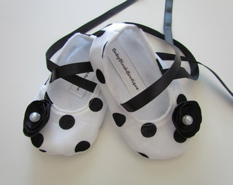 Black & White Polka Dot Baby Shoes - Soft Ballerina Slippers Baby Booties
