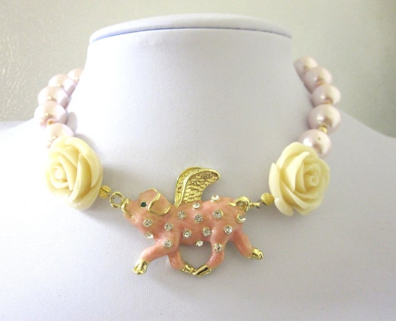 Pig Necklace When Pigs Fly Rhinestones Roses Pearls Choker Style Pink