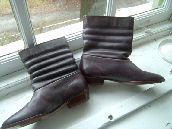 RESERVED Eggplant Purple 1980s Vintage Leather Ankle Boots Sz 8.5 - 9 B
