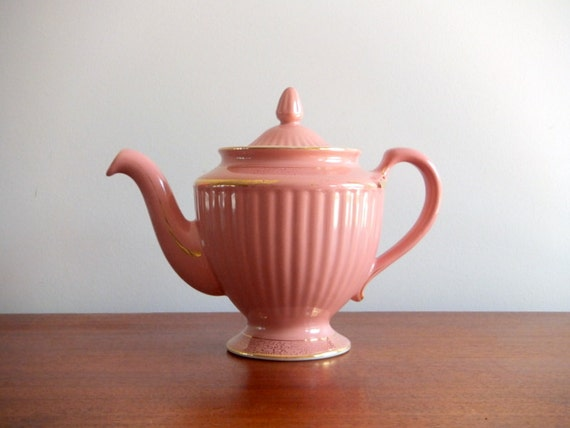 Hall Teapot, Los Angeles,  Pink with Gold Trim, 8 Cup
