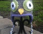 Crocheted owl hat for older girls