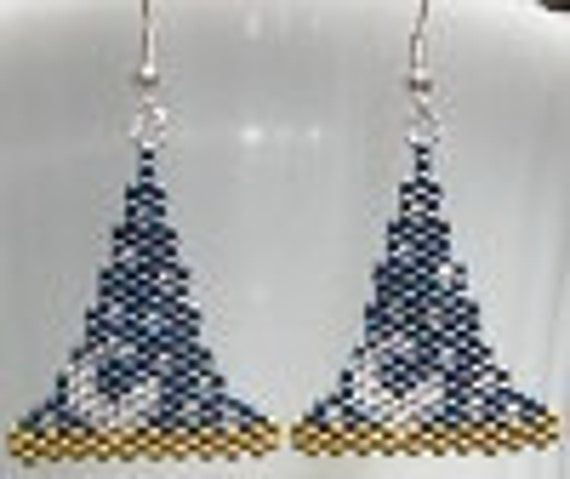 BEADING PATTERN   for Earrings or charm   Wizards hat