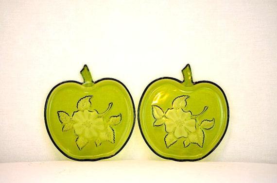 Vintage Hazel Atlas Green Apple Blossom Plates: Set of Two