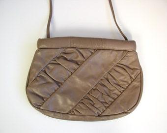 vtg 80s RUCHED Taupe Leather ENVELOPE PURSE shoulder bag handbag boho bag slouchy