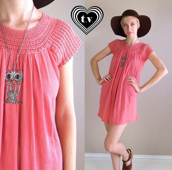 vtg 60s mini dress DUSTY ROSE cut out CROCHET hippie tent Medium cotton gypsy