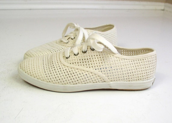 vtg 80s sneakers cream CUT OUT lace up WOVEN preppy shoes oxfords 6.5 nautical