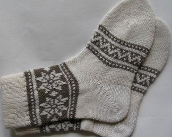 Grey and white  CUSTOM MADE Scandinavian pattern fall autumn winter knit pure wool short socks present gift