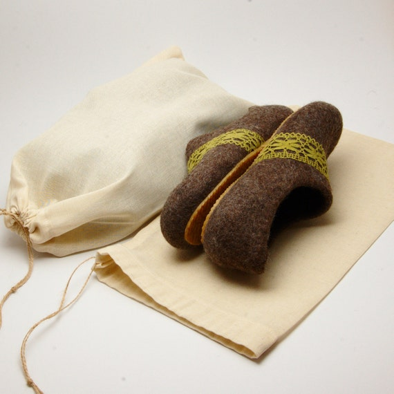 Linen shoe bag for felted slippers