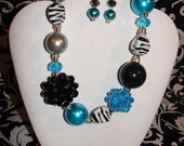 Chunky Turquoise and Black Necklace Set