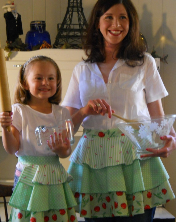 Mommy and Me Aprons in fun geen co-ordinates