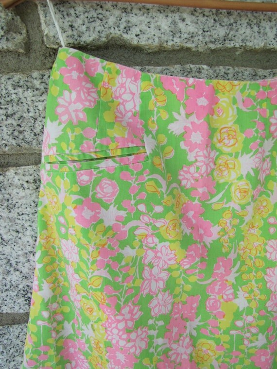 SALE Adorable Vintage 1970s Lilly Pulitzer Bright Yellow Pink and Green Floral Print A-line Skirt (small)