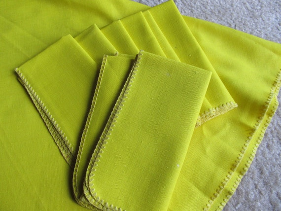 Vintage Tablecloth with NINE Napkins--Citrus Yellow