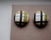 Pear Tree Plaid Button Earrings (Size 30)