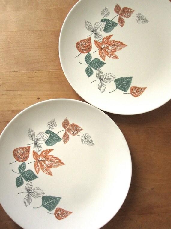 Aztec Melmac Leaf Design Plates