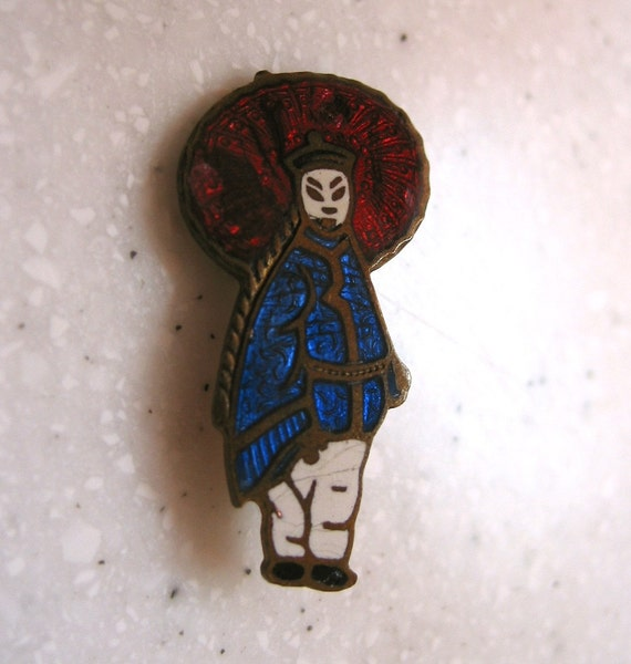 Cutest small vintage enamel Oriental girl brooch FREE US shipping