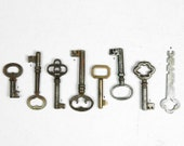 Vintage Ornate Late 1800's / Early 1900's Skeleton Key