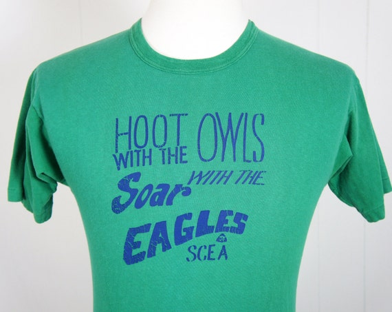 Vintage Hoot With The Owls, Soar With The Eagles T-shirt -  Size M
