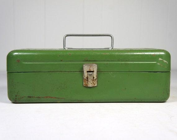 Vintage Green 1950 S Old Pal Fishing Tackle Box