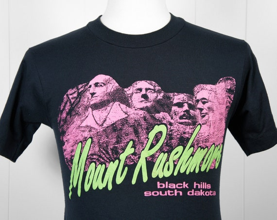 Vintage 1980's Mount Rushmore South Dakota T-Shirt  - Size S