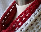 Skinny Mini Cowl - Christmas Red