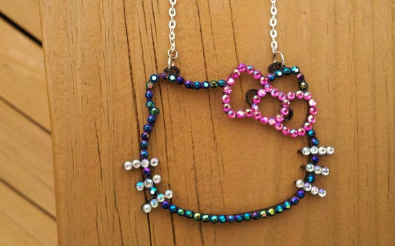 Hello Kitty acrylic pendant necklace
