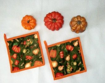 Quilted Pot Holders, Pumpkins, Autumn Kitchen, Kitchen Decor, Hot Pads, Coasters, Fall Potholders, Autumn Decor, Set of 2