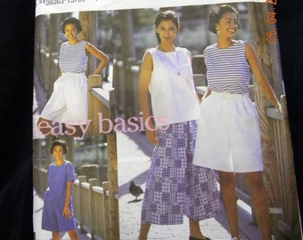 misses split skirt and top pattern Simplicity 8299 uncut