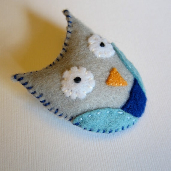 Little Plush Felt Owl Pin Brooch - Blue and Gray