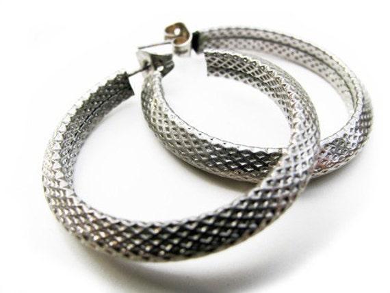 SALE - Vintage Hoop Earrings, Silver Tone. Vintage Jewelry by My Chouchou on Etsy.