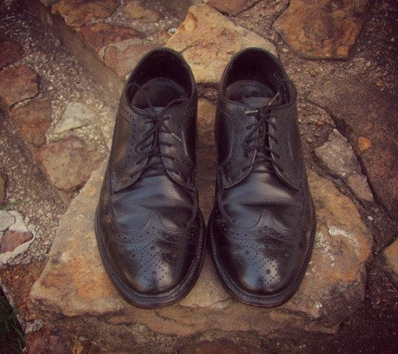 Vintage 70s 80s Black Leather Wingtip Shoes
