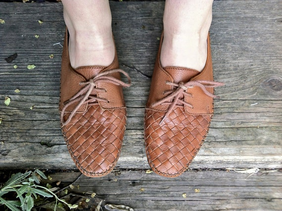 Brown Leather Woven Comfy Shoes, Size 9