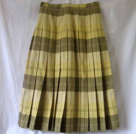 Vintage Wool Pleated Skirt 1950's Reversible Yellow Army Green Plaid 26 in waist