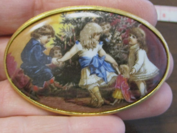 1980s Oval Kaiser West Germany Porcelain CHRISTMAS Pin Victorian Children Dolls Tree