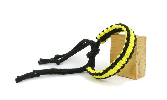 Recycled TShirt Yarn Bracelet - Black with Yellow - Knotted Macrame