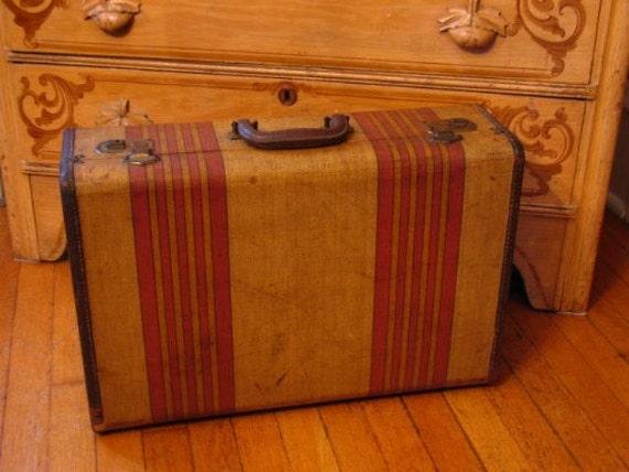 Vintage Striped Suitcase Travel Luggage & working KEY U.S. Trunk Co.